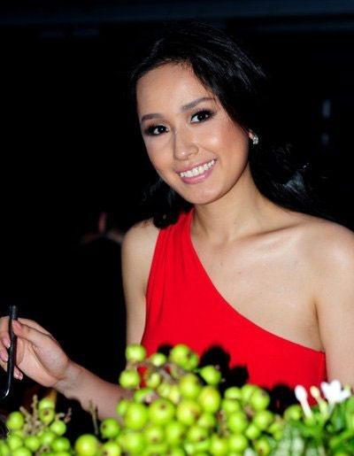 """9 làn da """"nhân tạo"""" trong showbiz Việt - 12"""