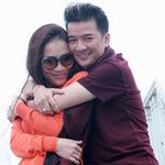 Ca nhạc - MTV - Mr. Đàm thân thiết ôm Hồng Ngọc