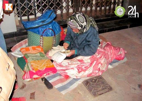 Trắng đêm trao quà cho người vô gia cư - 18
