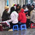 """Tin tức trong ngày - """"Siết"""" hàng ăn vỉa hè: Dân nghèo ăn đâu?"""