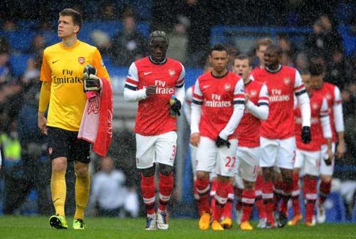 Thua trận, Wenger chê trách trọng tài - 1