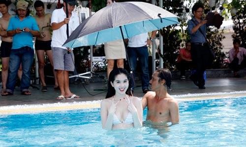 """Ngọc Trinh """"đốt nóng"""" phim Tết 2013 - 10"""