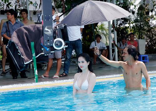 """Ngọc Trinh """"đốt nóng"""" phim Tết 2013 - 7"""
