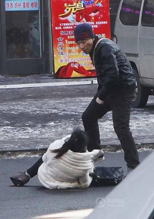 TQ: Một phụ nữ bị đánh dã man trên phố - 8