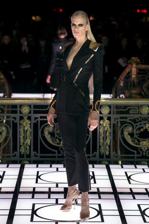 Paris Haute Couture: Versace hở bạo liệt - 4