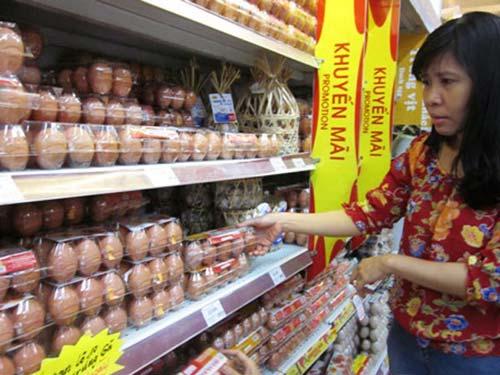 DN 'thổi giá' trứng có thể bị tước giấy phép - 2