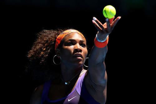 Xem cú giao bóng 207 km/h của Serena - 1