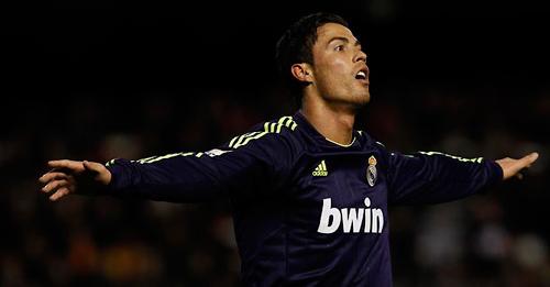 Ronaldo từ MU tới Real: 300 và hơn thế - 1