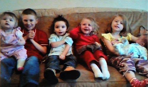 Bà mẹ 27 tuổi chết sau khi đẻ liên tiếp 7 con - 2