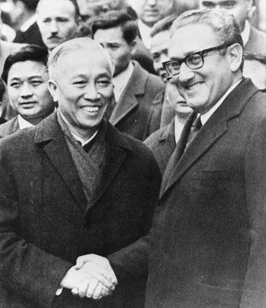 Hội nghị Paris: Cánh cửa hòa bình đã hé mở - 2