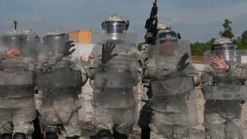 Cận mặt nữ đặc vụ hộ vệ Obama nhậm chức - 9