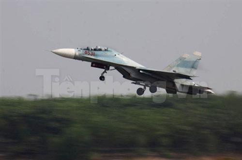 """""""Đại bàng"""" Su-30MK2 dũng mãnh gác trời VN - 11"""