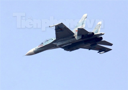 """""""Đại bàng"""" Su-30MK2 dũng mãnh gác trời VN - 12"""