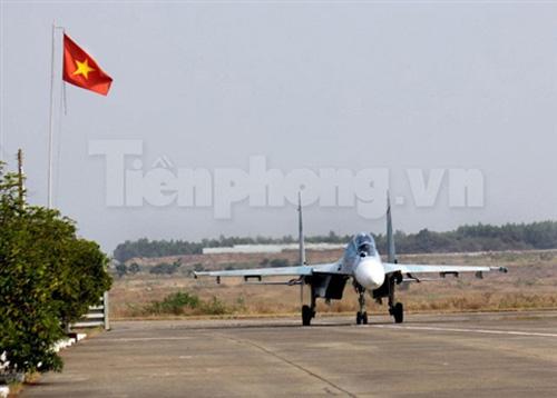 """""""Đại bàng"""" Su-30MK2 dũng mãnh gác trời VN - 14"""