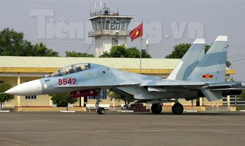 """""""Đại bàng"""" Su-30MK2 dũng mãnh gác trời VN - 1"""
