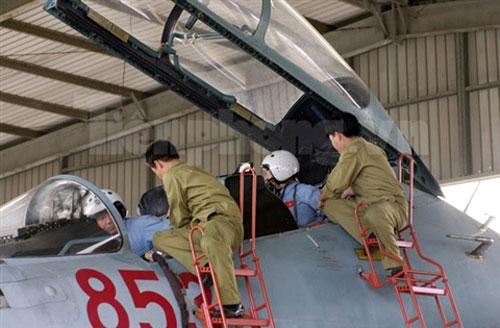 """""""Đại bàng"""" Su-30MK2 dũng mãnh gác trời VN - 5"""