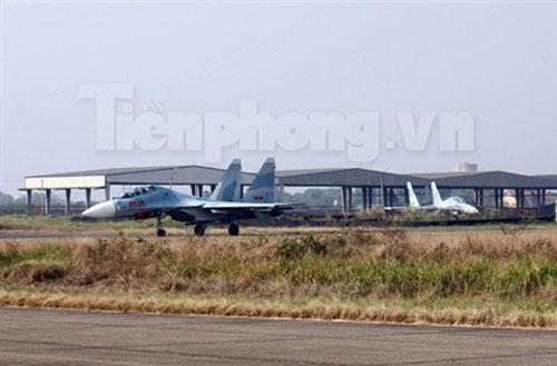"""""""Đại bàng"""" Su-30MK2 dũng mãnh gác trời VN - 6"""