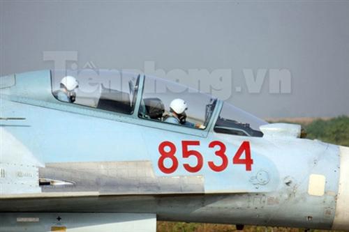 """""""Đại bàng"""" Su-30MK2 dũng mãnh gác trời VN - 8"""