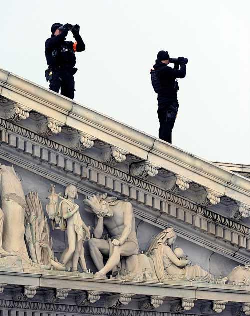Cận mặt nữ đặc vụ hộ vệ Obama nhậm chức - 11
