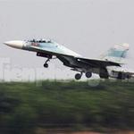 """Tin tức trong ngày - """"Đại bàng"""" Su-30MK2 dũng mãnh gác trời VN"""