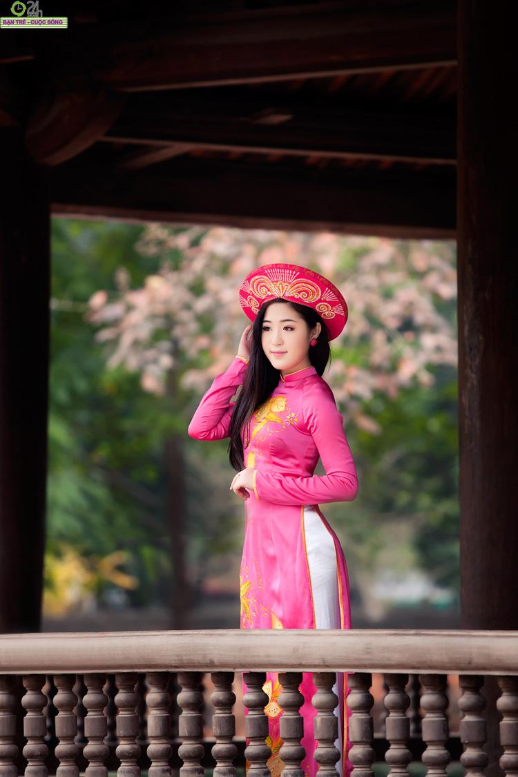Hà Lade gợi cảm đón ngày mới  Nu Phạm khoe vẻ gợi cảm với bikini Vẻ đẹp trong sáng của hot girl Tâm Tít Hot girl Việt gợi cảm với sơ mi trắng