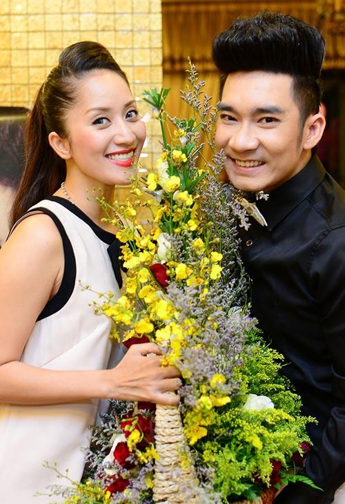 Quang Hà trong vòng vây người đẹp - 2