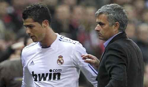 Ronaldo công khai xin lỗi Mourinho - 1