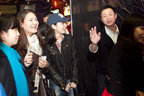 MC Anh Tuấn hạnh phúc bên vợ mới - 5