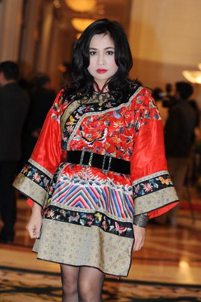 Chiều Xuân, Thanh Lam, Diễm My đọ sắc - 1