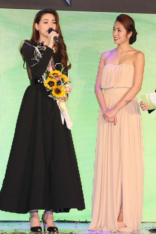 Hà Tăng trao giải cho Hà Hồ - 6