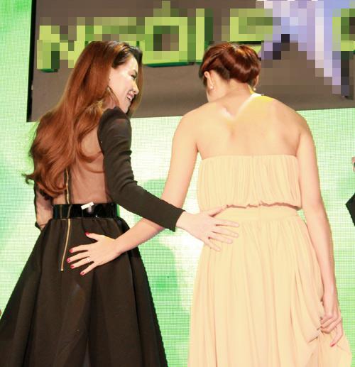 Hà Tăng trao giải cho Hà Hồ - 4