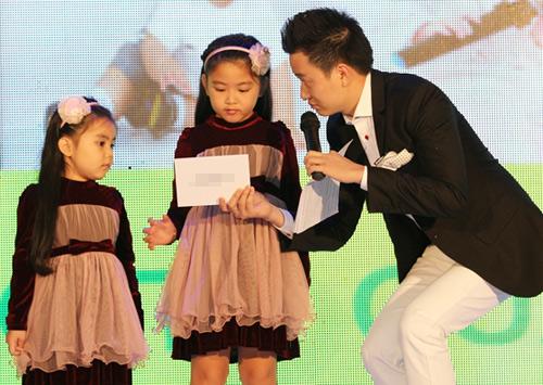 Hà Tăng trao giải cho Hà Hồ - 14