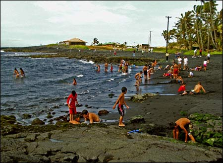 Ấn tượng bãi biển có cát màu đen - 8