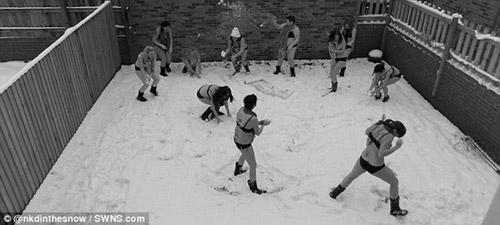 Trào lưu khỏa thân dưới tuyết - 5