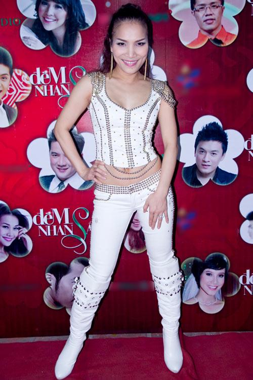 """Minh Triệu hóa """"nàng tiên cá"""" sexy - 11"""