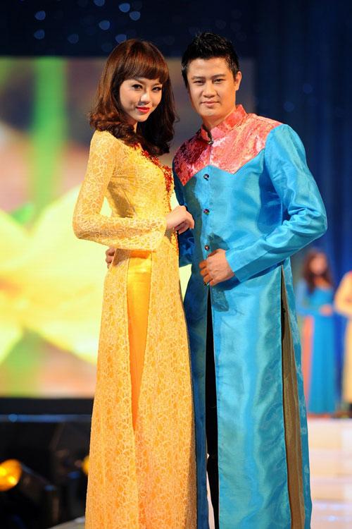 Thanh Hằng mặc thiết kế Xuân dạo catwalk - 19