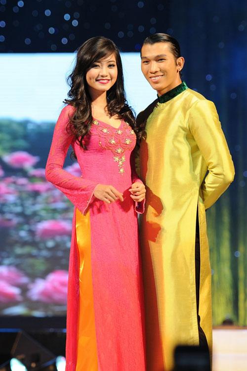 Thanh Hằng mặc thiết kế Xuân dạo catwalk - 20