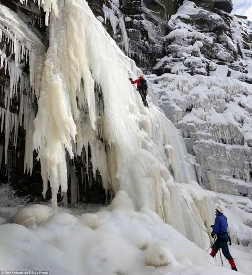 Đã mắt với băng tuyết đẹp kỳ vĩ ở Anh - 1