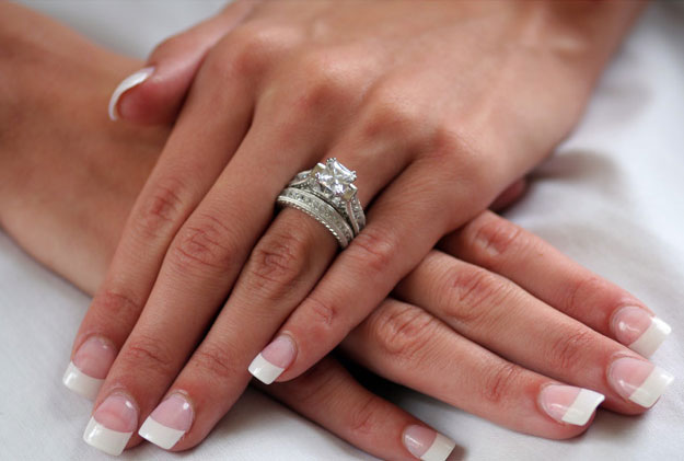 Chọn nhẫn đính hôn như thế nào? - 7