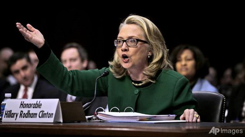 Bà Clinton tức giận vì bị buộc tội che đậy - 1