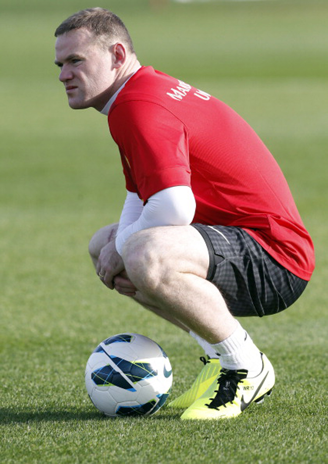 Rooney tỏ vẻ nhăn nhó và được dự đoán phải nghỉ thi đấu.