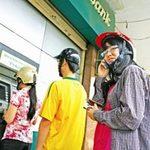 Tin tức trong ngày - Giáp Tết, máy ATM lại nghẽn