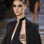 Thời trang - Sốc vì màn lộ 100% ngực tại Paris