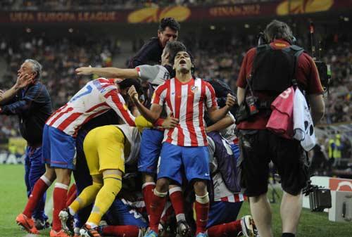 La Liga trước V21: Chạy đà Siêu kinh điển - 2