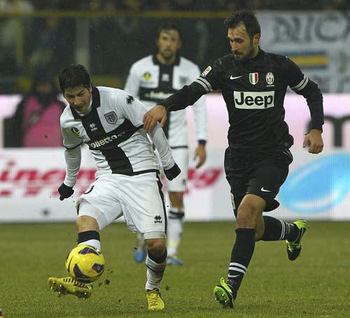 Serie A trước vòng 22: Sức ép cho Juve - 1