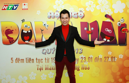 Hoài Linh, Hoàng Mập âu yếm trong cánh gà - 18