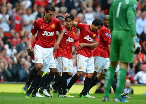 MU – Fulham: Sưởi ấm Old Trafford - 1