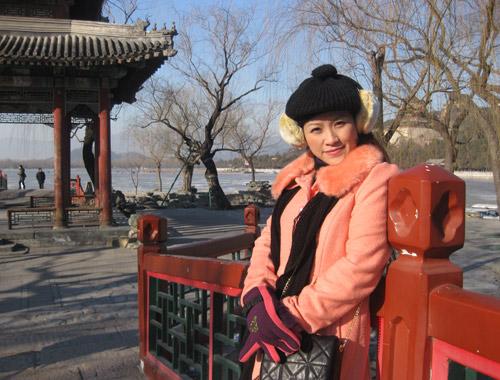 Vợ chồng Kiều Linh tình tứ tại Bắc Kinh - 2