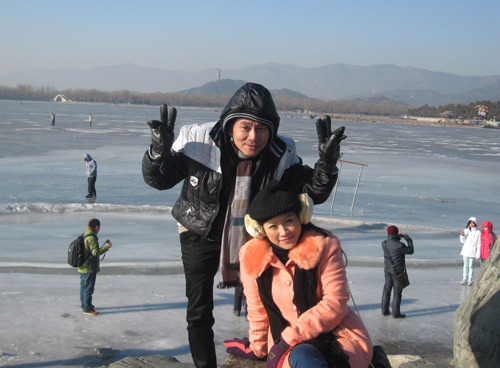 Vợ chồng Kiều Linh tình tứ tại Bắc Kinh - 3