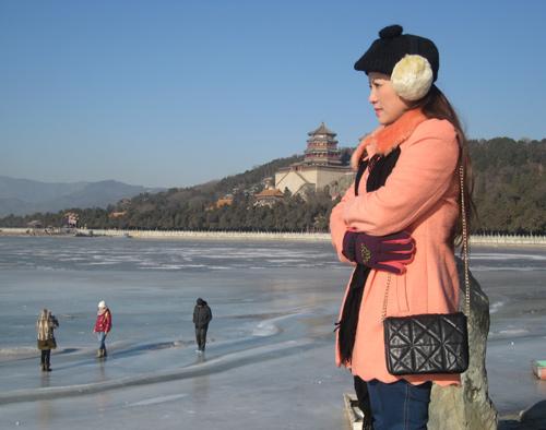 Vợ chồng Kiều Linh tình tứ tại Bắc Kinh - 4